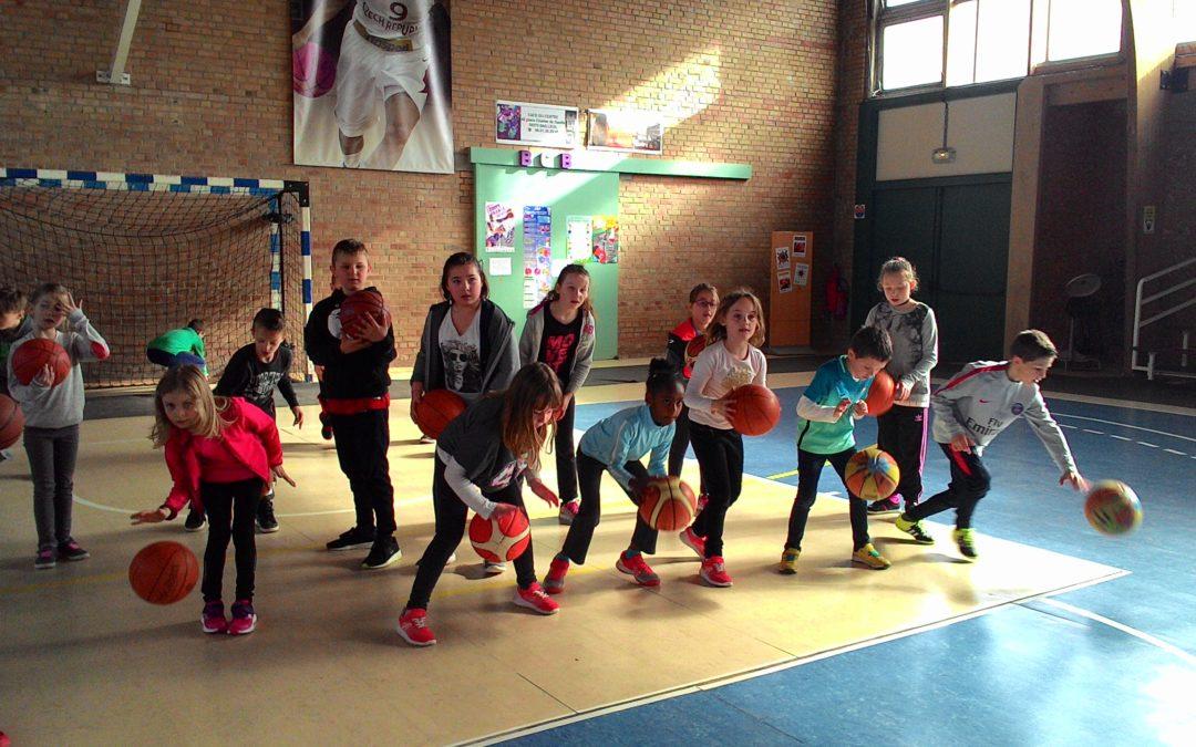 Initiation au basket avec la classe des  CE1/CE2