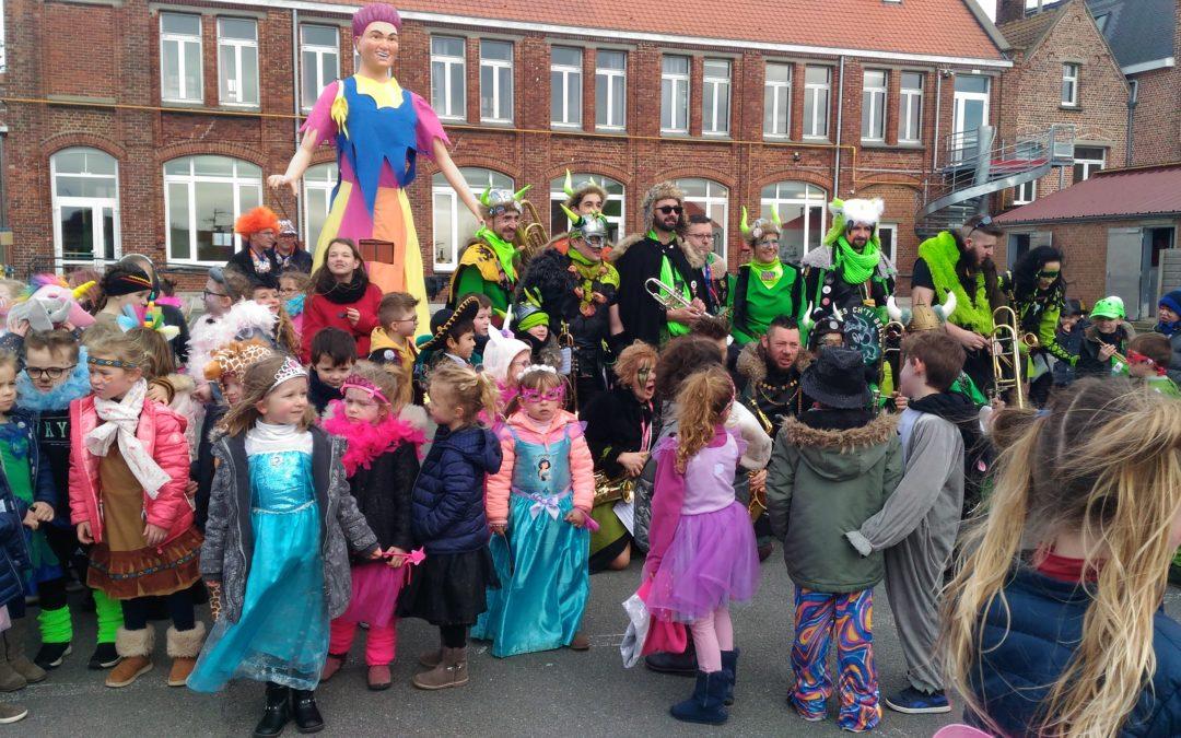 Les CE1  fêtent le carnaval