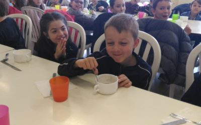 Petit déjeuner à l'école  avec les CE1